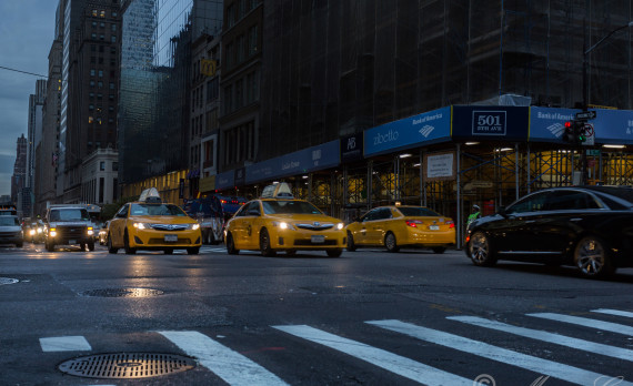 #5th_Avenue #new_york #canon #yellow_cabs #taxi