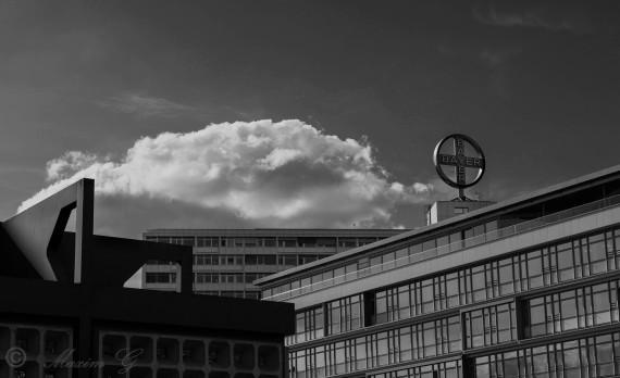 #Berlin_in-schwarz_weiß #canon #clouds #streetphotography