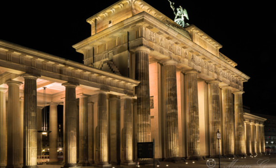 #Brandenburgertor #Berlin #nightphotography #canon #longexposure