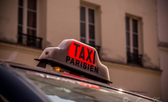#Paris #taxi_sign #canon #streetphotography