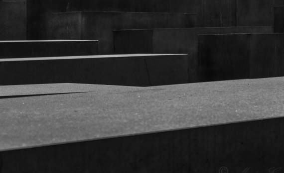 Denkmal, Berlin, monument, world war 2, concrete, canon