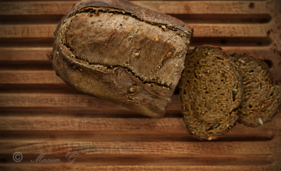 fresh, baked, bread ,sliced, foodphotography, vers bruin brood , gesneden, voeding fotografie, canon