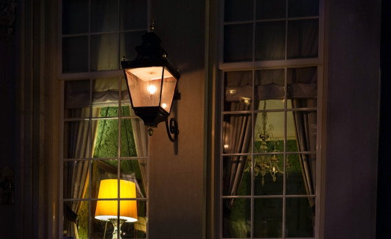 #Canalhouse #Amsterdam #canon #chandelier #interior #inside
