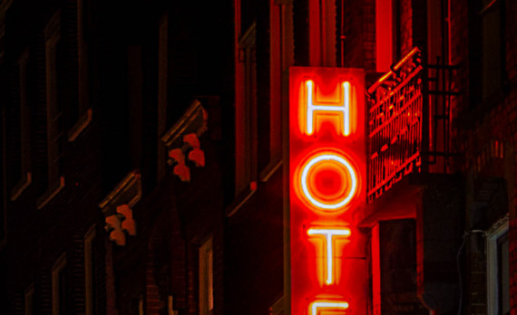 #hotel #sign #red #canon #nightphotography