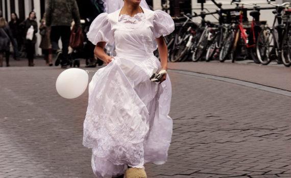 Runawaybride, bride, canon, amsterdam. bridge