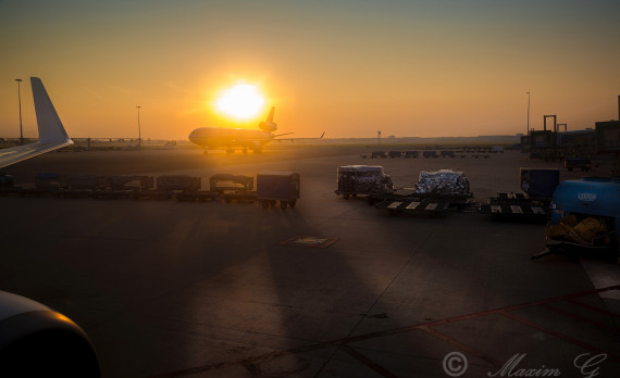 sunrise , schiphol airplane, landed, md-11, mcdonnell douglas MD-11,canon