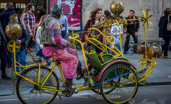 Le Marais, Paris, weird bike, bicyclist, cyclist, canon