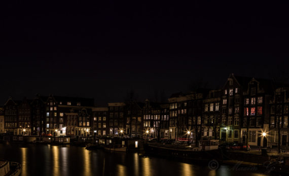 #longexposure #canals #canalhouses #amsterdam #streetlights #canon