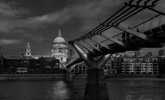 Saint Paul's Cathedral, thames, bridge, black and white, Millennium Bridge, canon