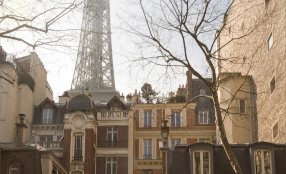 #Eiffel_tower #houses #architecture #canon #photos_are_for_sale #Paris