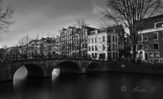 Amsterdam, Keizersgracht, photo's are for sale, black and white, canon