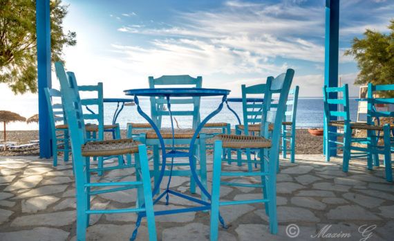 #Santorini #Greece #terrace #blue_furniture #canon #kamari