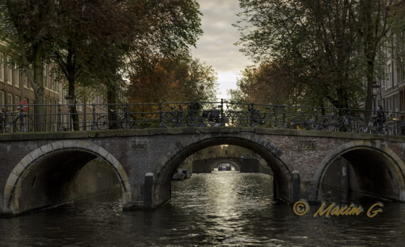 #Herengracht #Amsterdam #fall #canon #bridge #canal #architecture